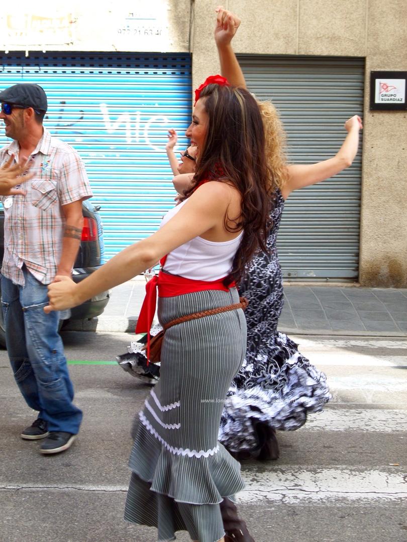 Dancing Senoritas